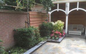 aangelegde tuin met terras